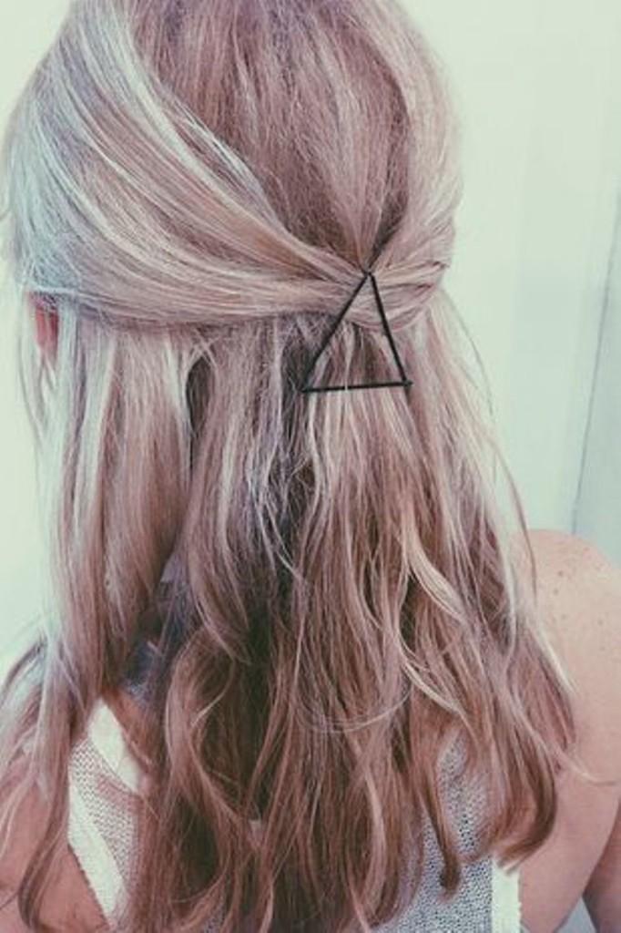 triangle-bobby-pins-682x1024