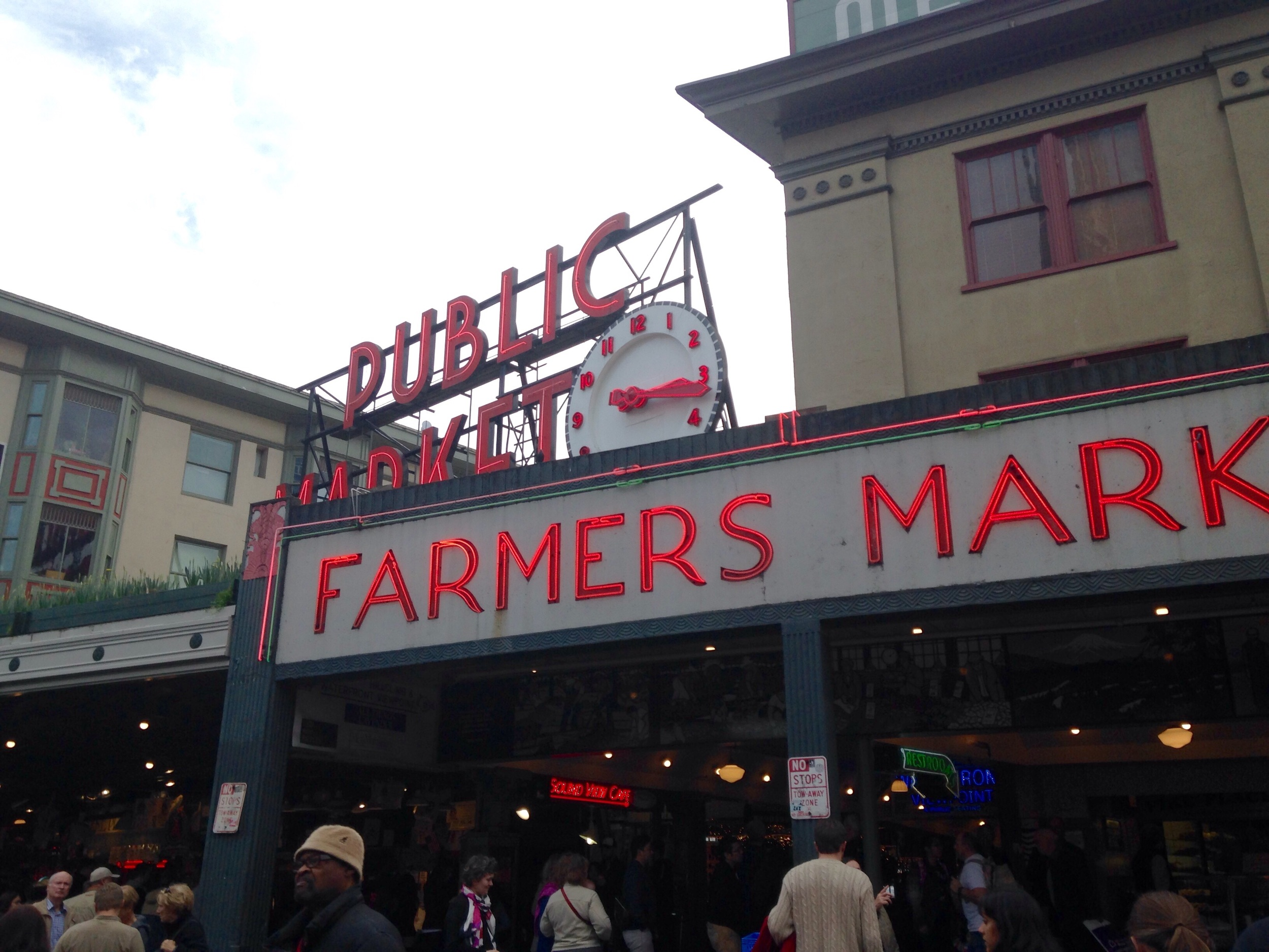 Hello Pike's Place! This is my favorite place now!