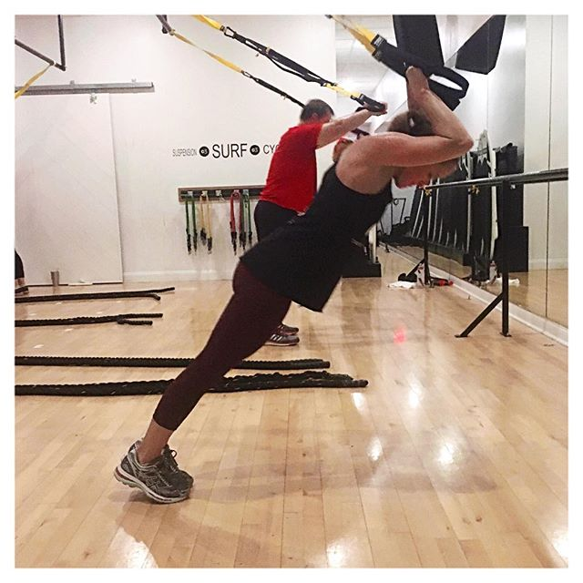 As the weekend comes to an end it might be time to start thinking about new #goals. Push the limits. Step outside your comfort zone. And #NEVERMISSAMONDAY. ⚠️Check out our STORIES  for more information on how you can win a $75 gift card from Athleta!  #stlfitness #stlfit #trx #triceppress #brentwoodmo