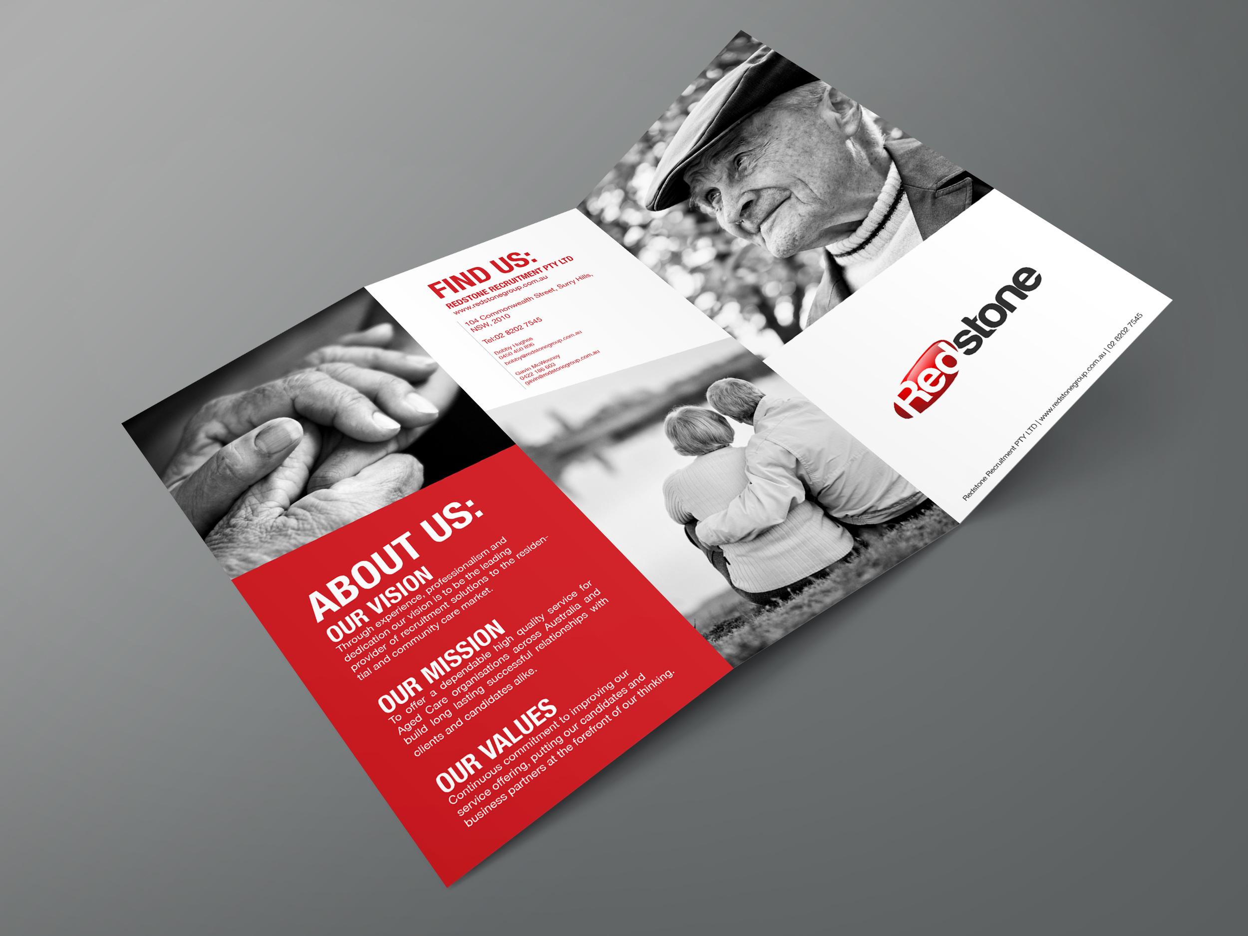 Z+Fold+Brochure+PSD+Mockup_outside_red.jpg
