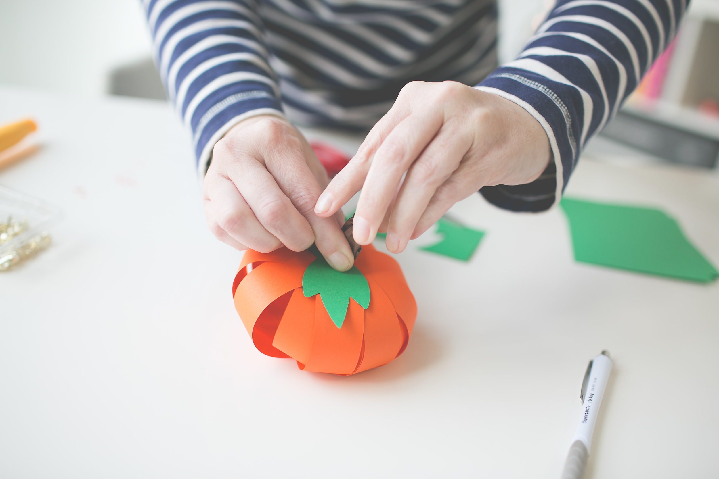 Paper_Pumpkin_DIY_Paper_Craft_Easy_Simple_Cheap_kid_adult_decor_halloween_thanksgiving-108.jpg