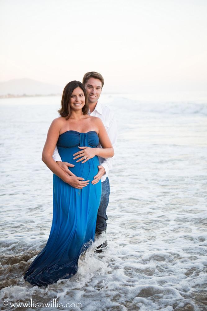 pregnancy-beach.jpg