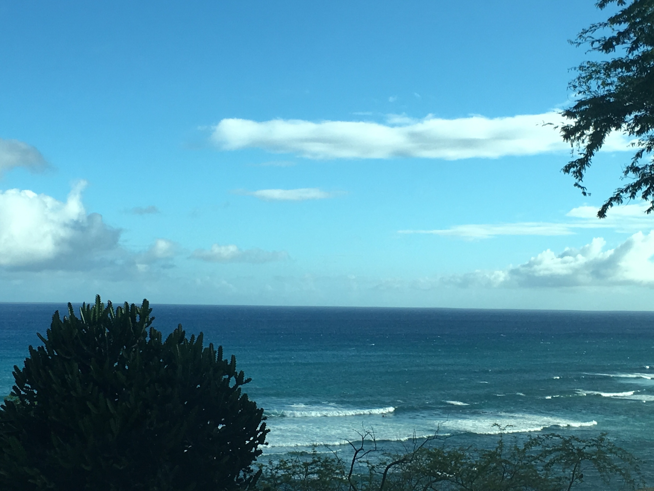 Head high waves today for a pre dark sesh, it's been a while to catch anything over waste high. Nice surprise. Summer wave pattern in Hawaii in a bit of a funk for August.