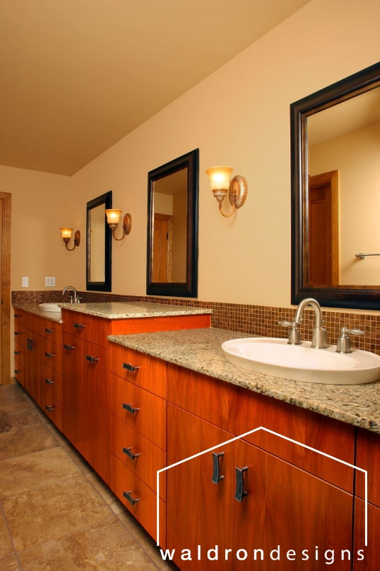 This jack-and-jill bathroom provided a strong sense of division to prevent morning sibling rivalry!
