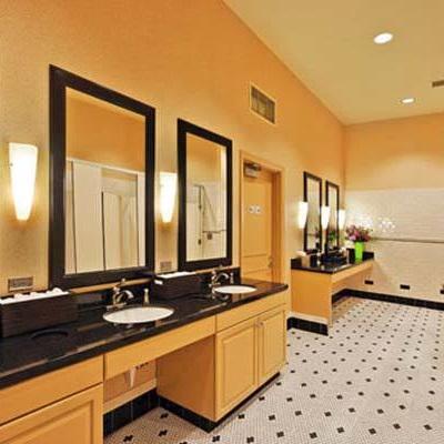 Portland Golf Club, Ladies Locker Room  With Dull Olson Weekes Architects