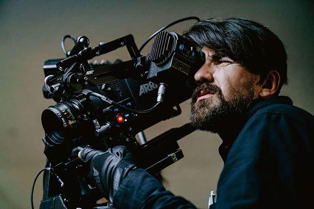 Our #cinematographer @andresgallegos.y took our film to anentirely new level🎥 📸: @themogli … … … #radixtroupe #oakland #bayareaartists #bayareafilm #cinematography #cameraoperator #videographer #behindthecamera #behindthescenes #sonyvi #777luckyfish #moodygrams #indiefilm #oaklandcreatives #createandcapture #artistsinoakland #filmmakers #sonyvisuals #grainisgood #cinesomnia #myfeatureshoot #knowthismind #indiefilmmakers #oaklandfilmmakers