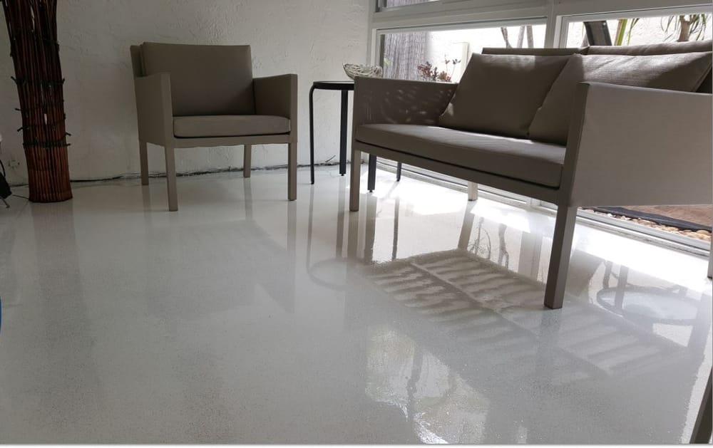 White epoxy floor with glitter satin finish concrete.jpg