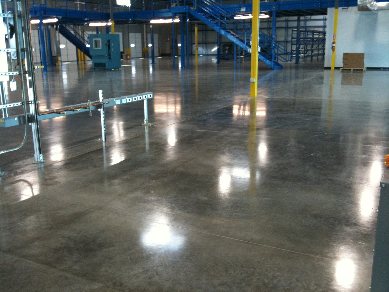 warehouse epoxy flooring miami.jpg