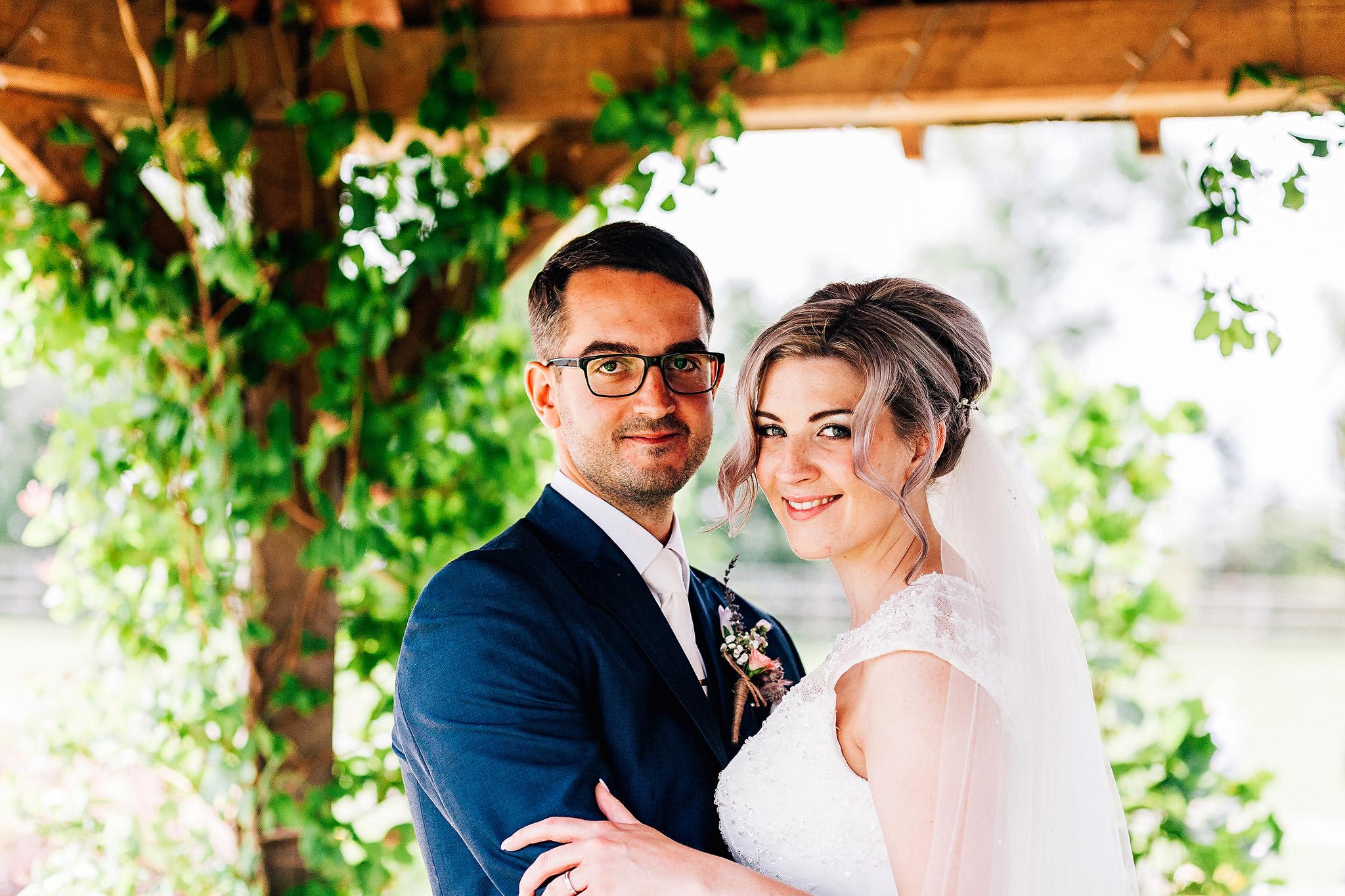 myths-barn-wedding