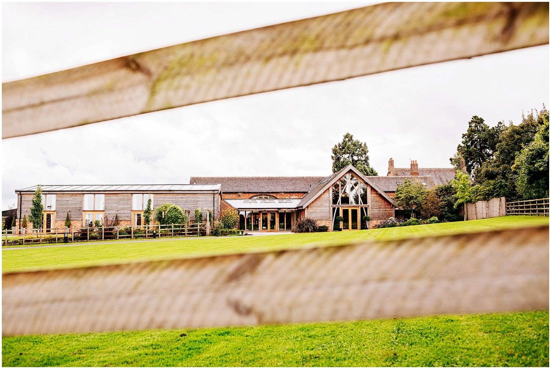 mythe-barn-alternative-wedding-4.jpg