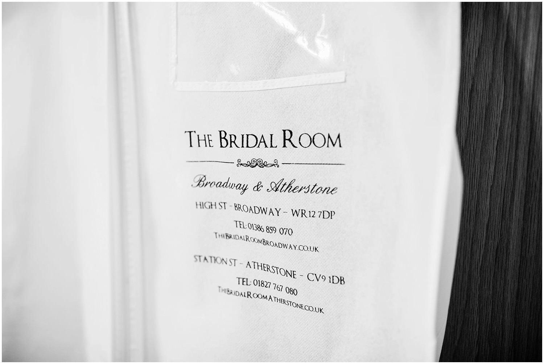 mythe-barn-alternative-wedding-14.jpg