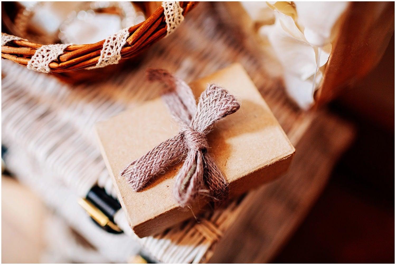 mythe-barn-alternative-wedding-19.jpg