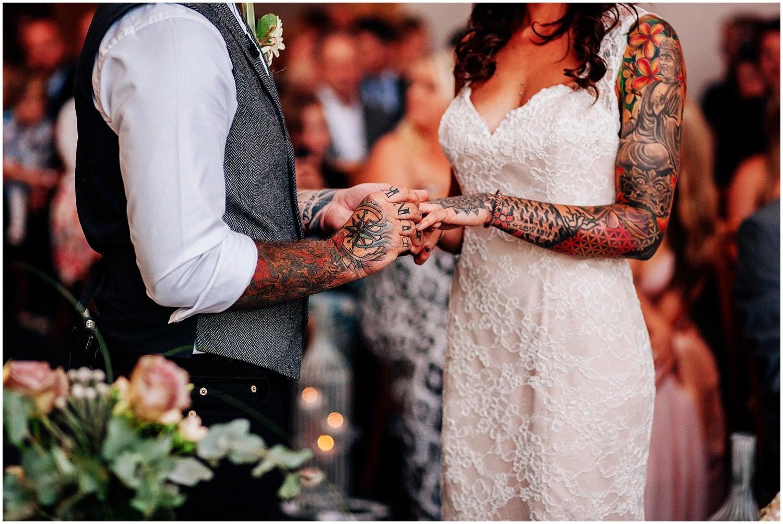 mythe-barn-alternative-wedding-150.jpg