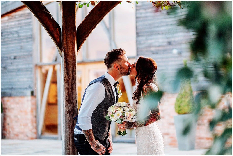mythe-barn-alternative-wedding-229.jpg