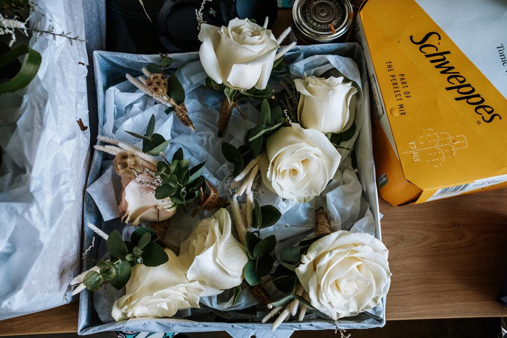alternative-documentary-wedding-photographer-00010.jpg