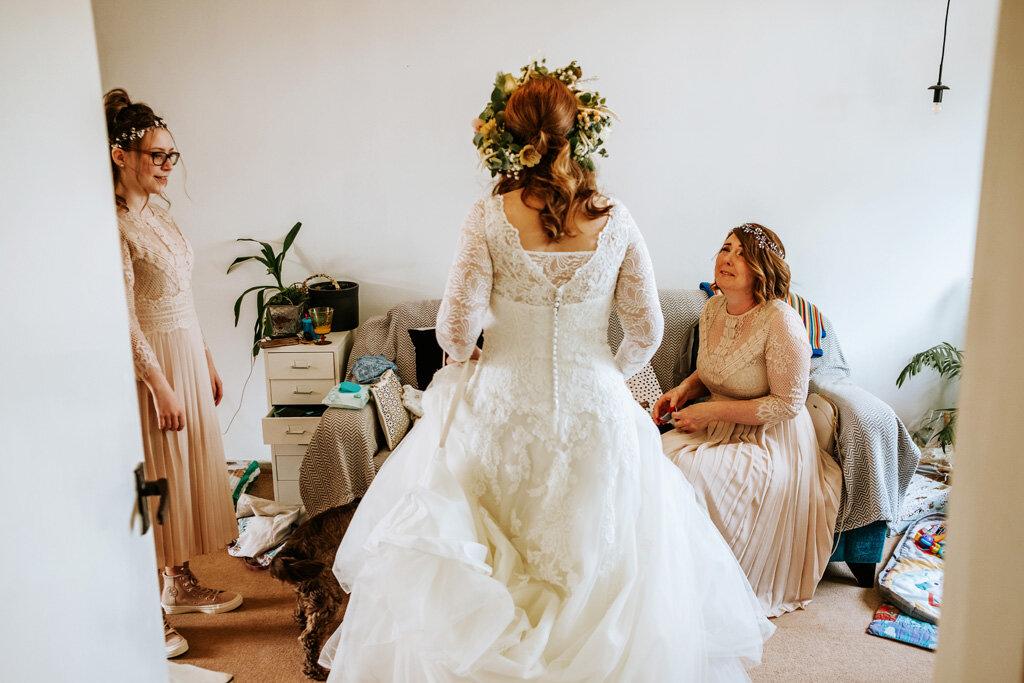 alternative-documentary-wedding-photographer-00028.jpg