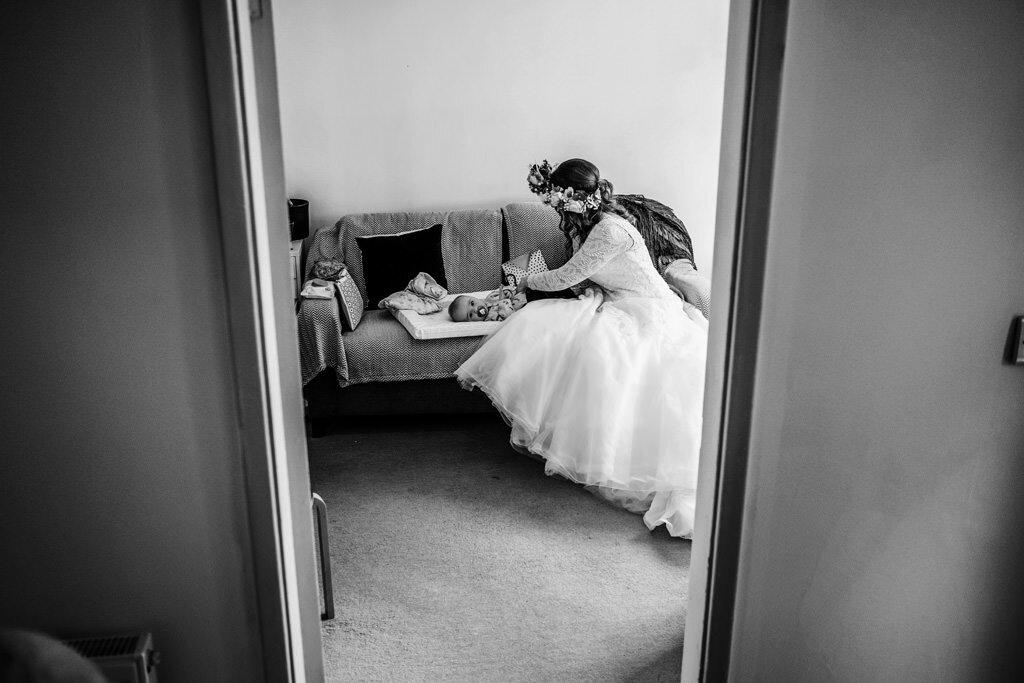 alternative-documentary-wedding-photographer-00029.jpg
