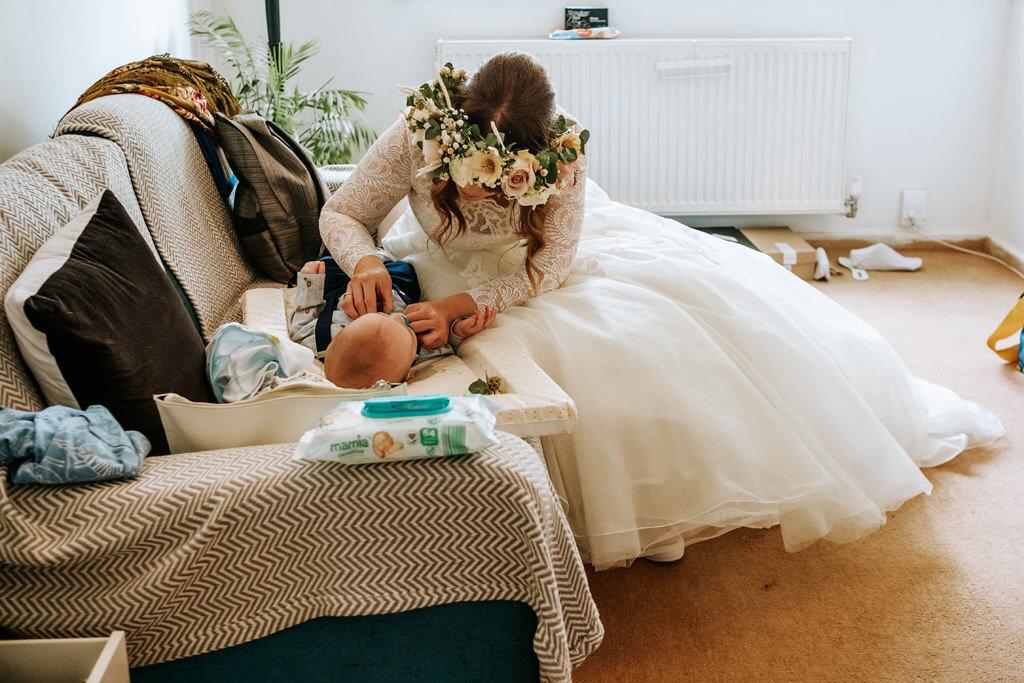 alternative-documentary-wedding-photographer-00031.jpg