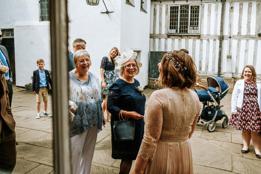 alternative-documentary-wedding-photographer-00043.jpg