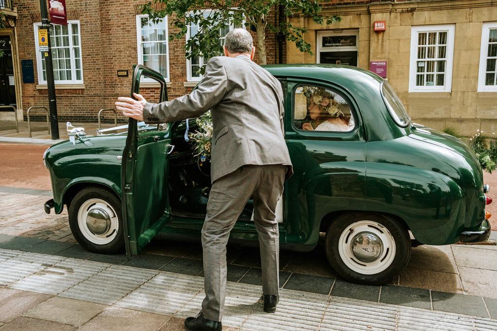 alternative-documentary-wedding-photographer-00046.jpg