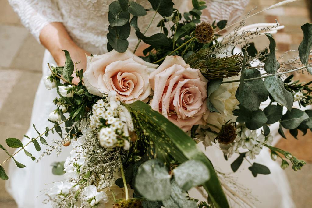 alternative-documentary-wedding-photographer-00056.jpg