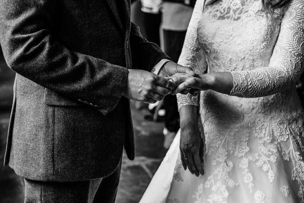 alternative-documentary-wedding-photographer-00085.jpg