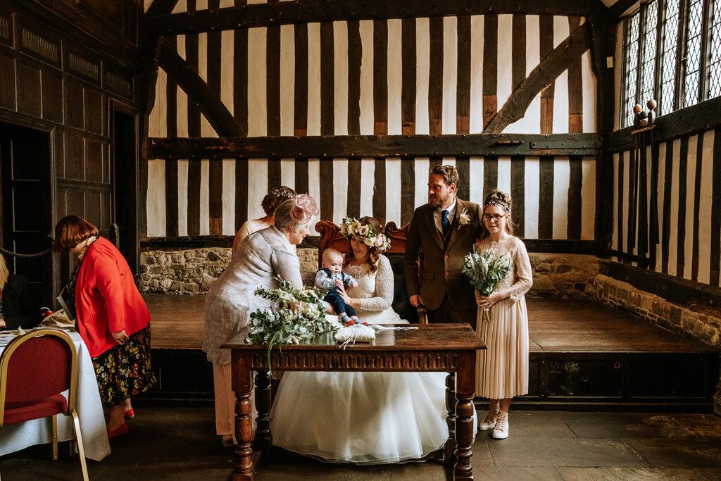 alternative-documentary-wedding-photographer-00095.jpg