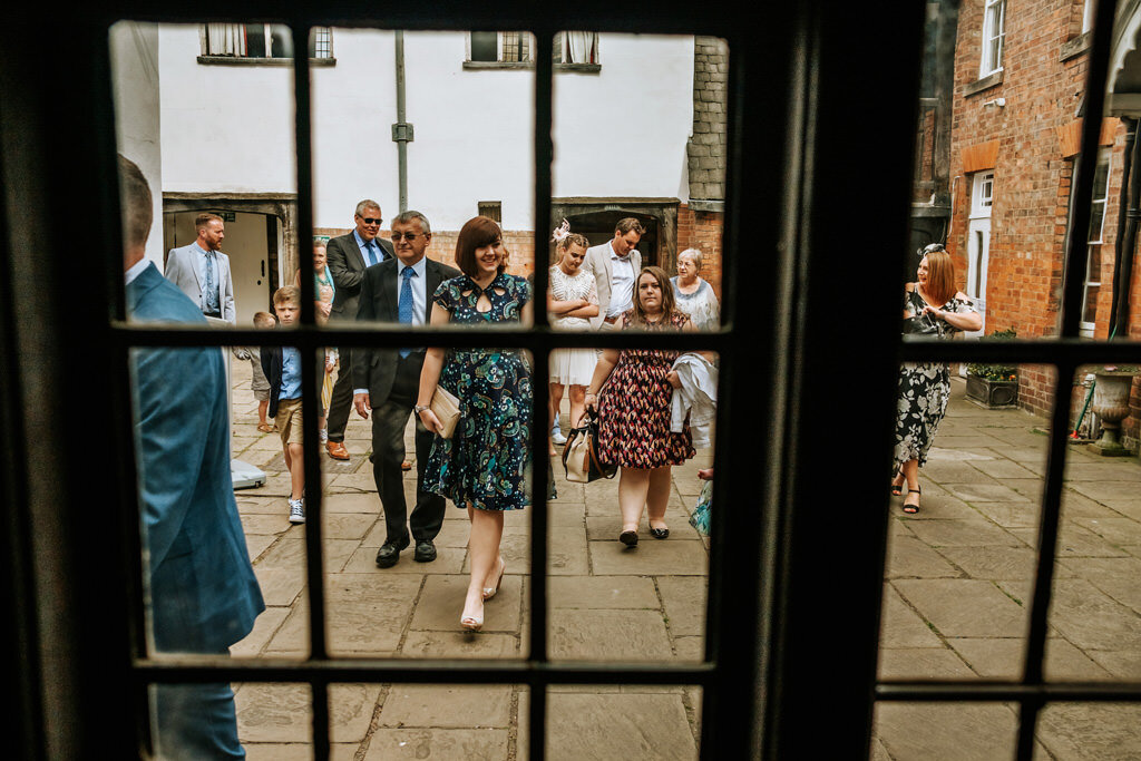 alternative-documentary-wedding-photographer-00103.jpg