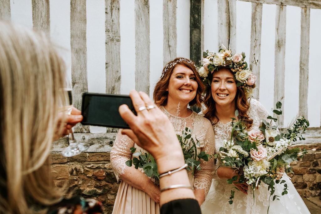 alternative-documentary-wedding-photographer-00120.jpg