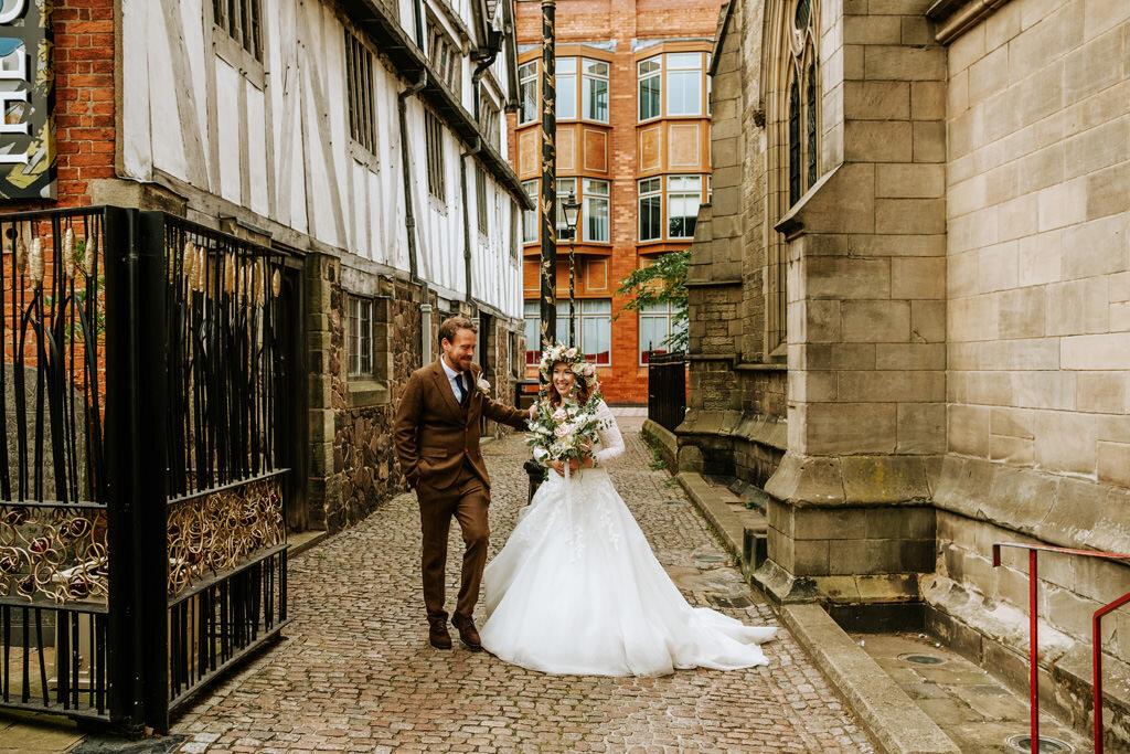 alternative-documentary-wedding-photographer-00123.jpg