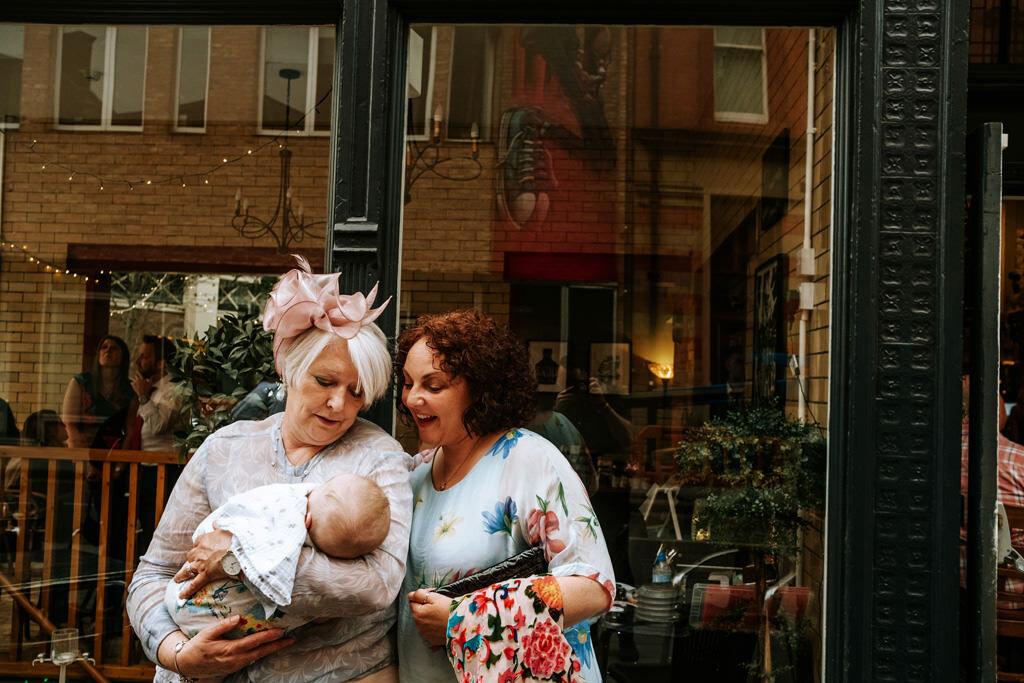 alternative-documentary-wedding-photographer-00183.jpg
