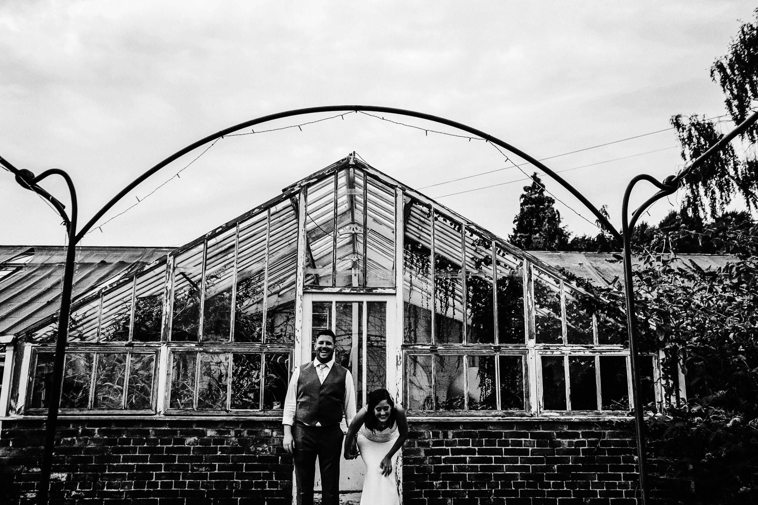 best-uk-ducumentary-alternative-wedding-photographer-001