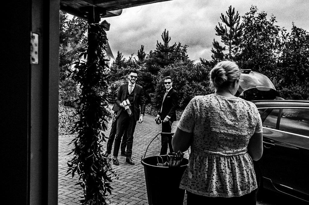 swallows-nest-warwickshire-wedding-photographer-00044.jpg
