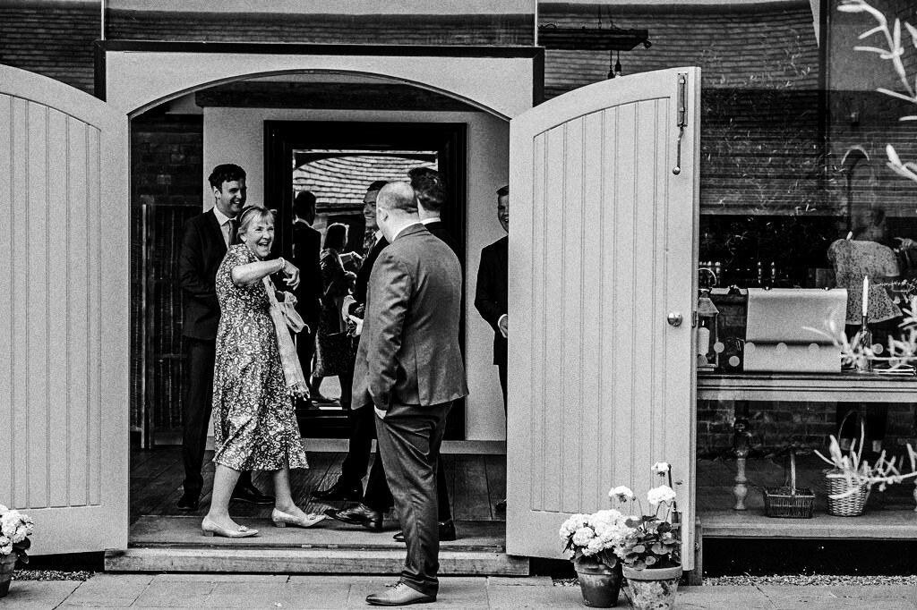 swallows-nest-warwickshire-wedding-photographer-00048.jpg