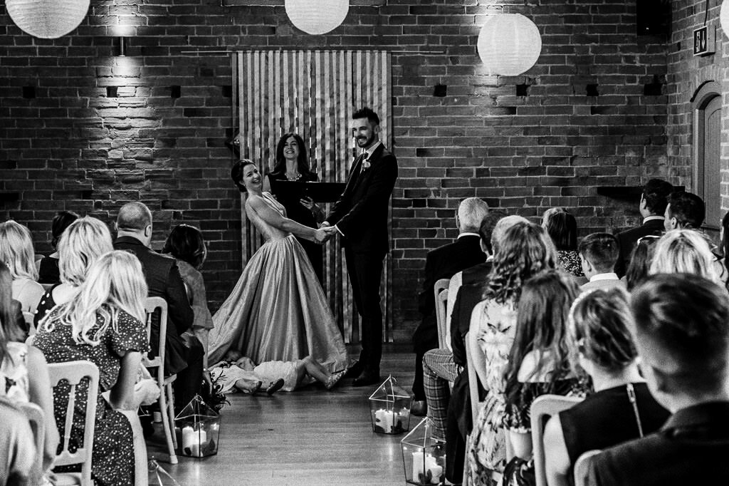 swallows-nest-warwickshire-wedding-photographer-00091.jpg