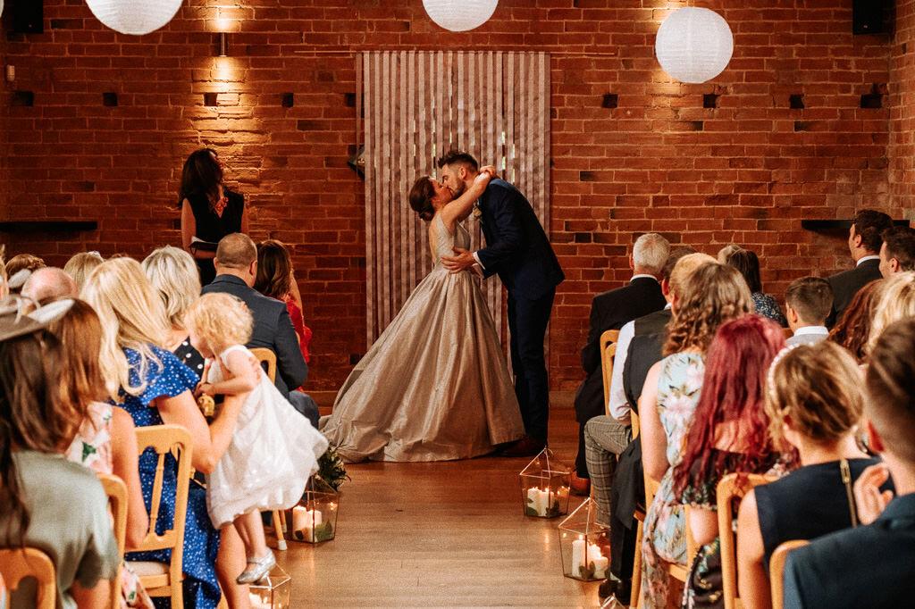 swallows-nest-warwickshire-wedding-photographer-00092.jpg