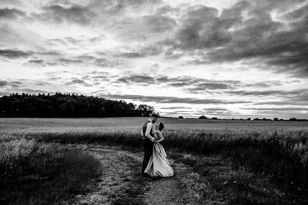 swallows-nest-warwickshire-wedding-photographer-00245.jpg
