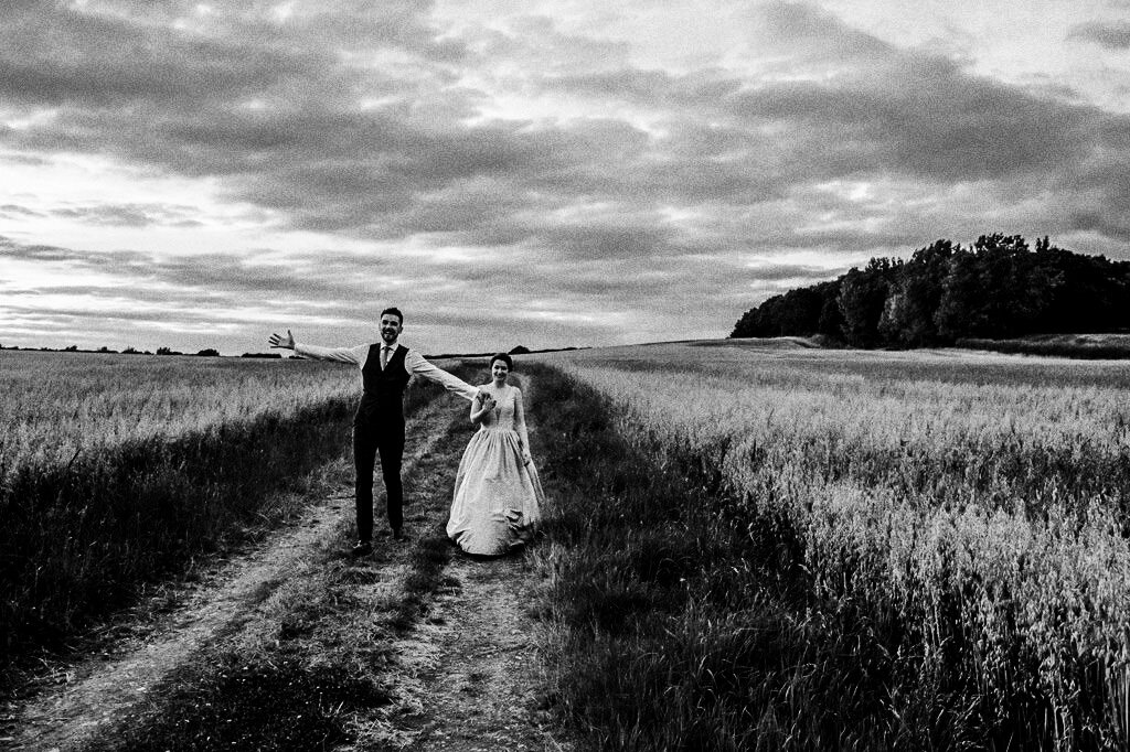 swallows-nest-warwickshire-wedding-photographer-00246.jpg