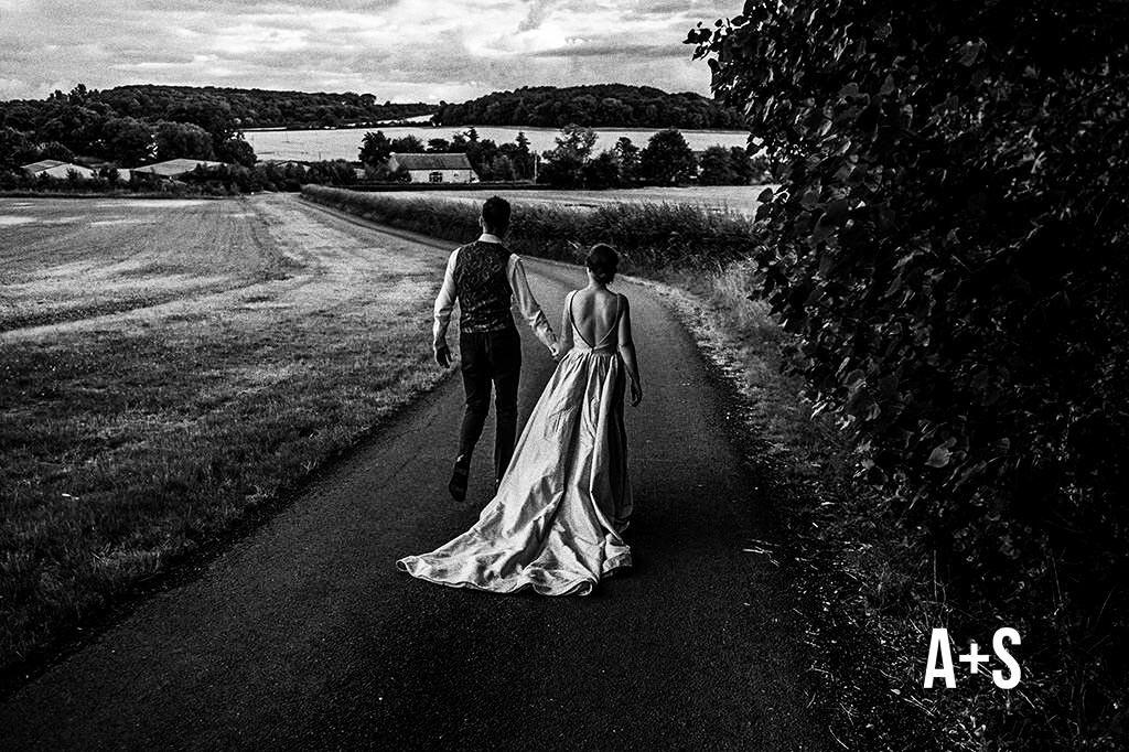 swallows-nest-warwickshire-wedding-photographer-00216.jpg
