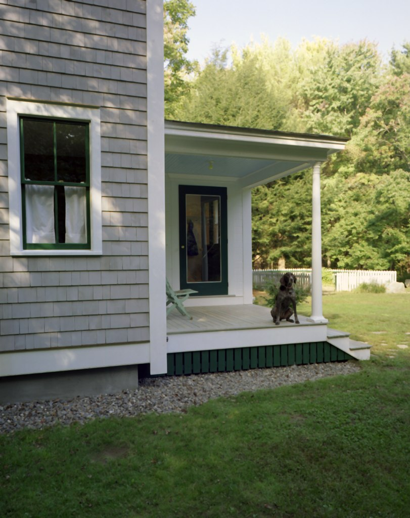 20 Wiswall front porch.jpg
