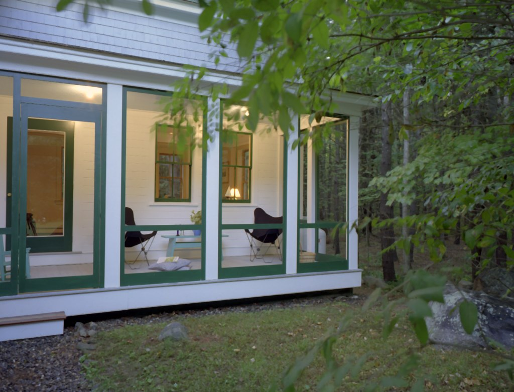 20 Wiswall screened porch.jpg