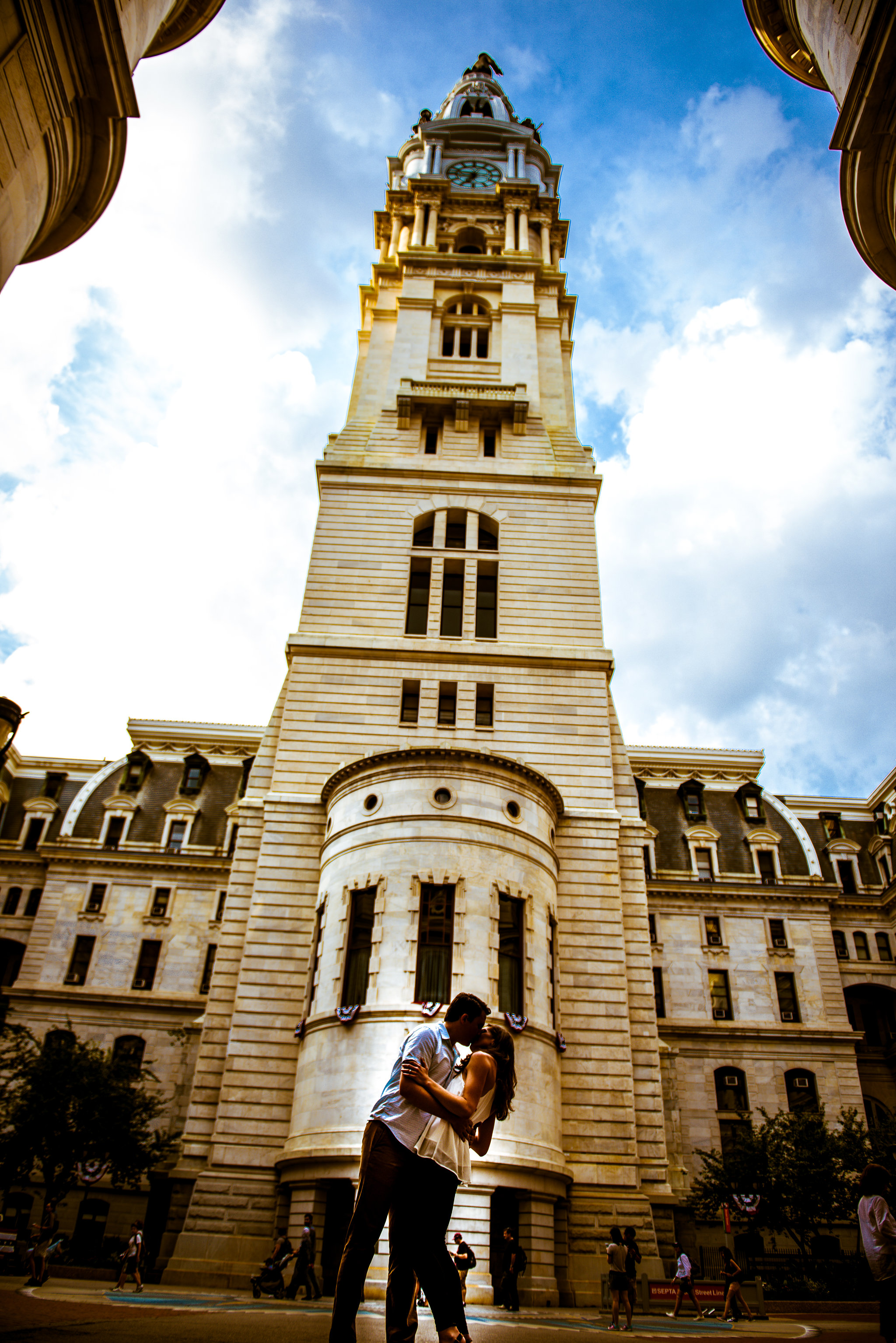 philadelphia-city-hall-engagement-shoot