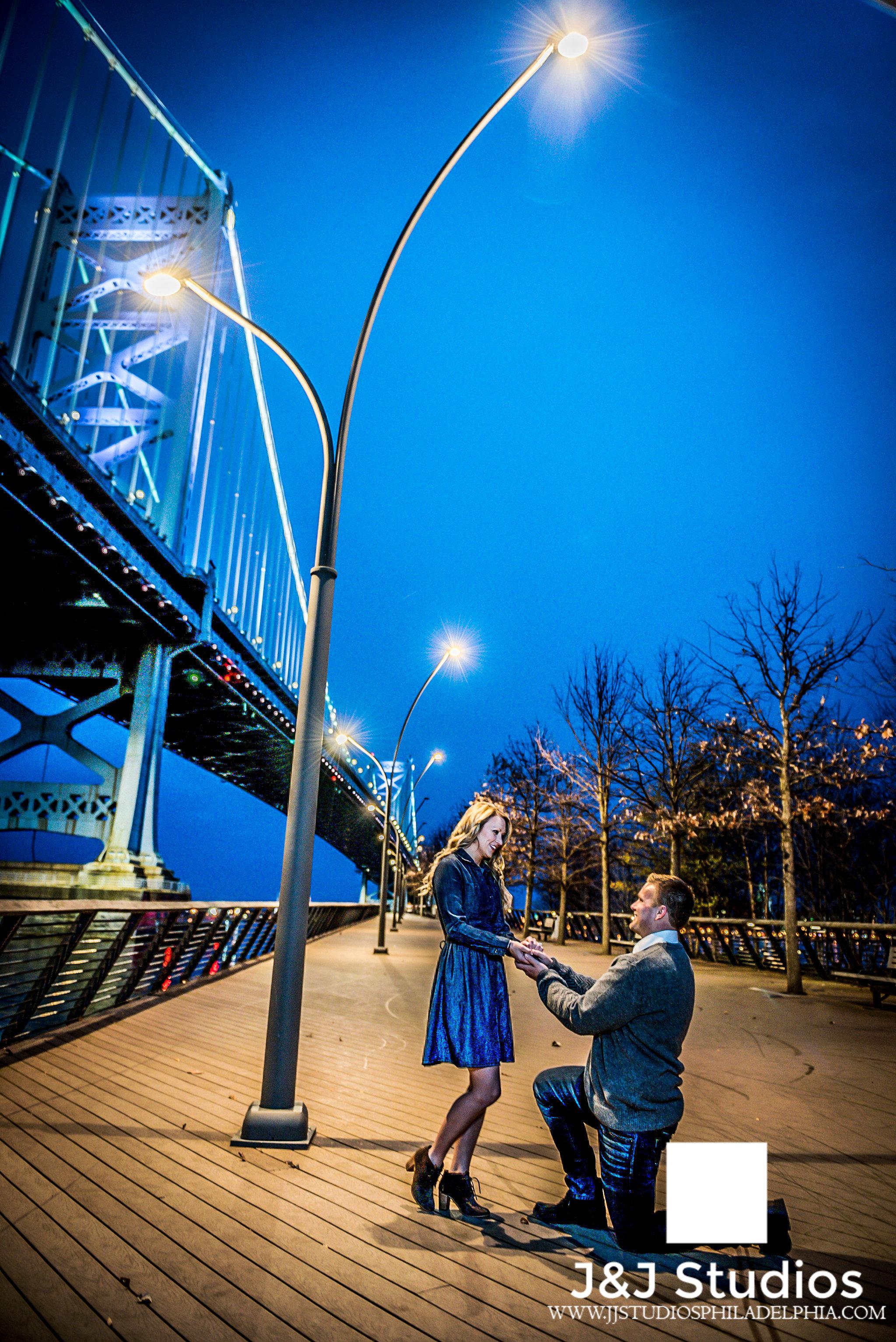 race-street-pier-proposal-photographer