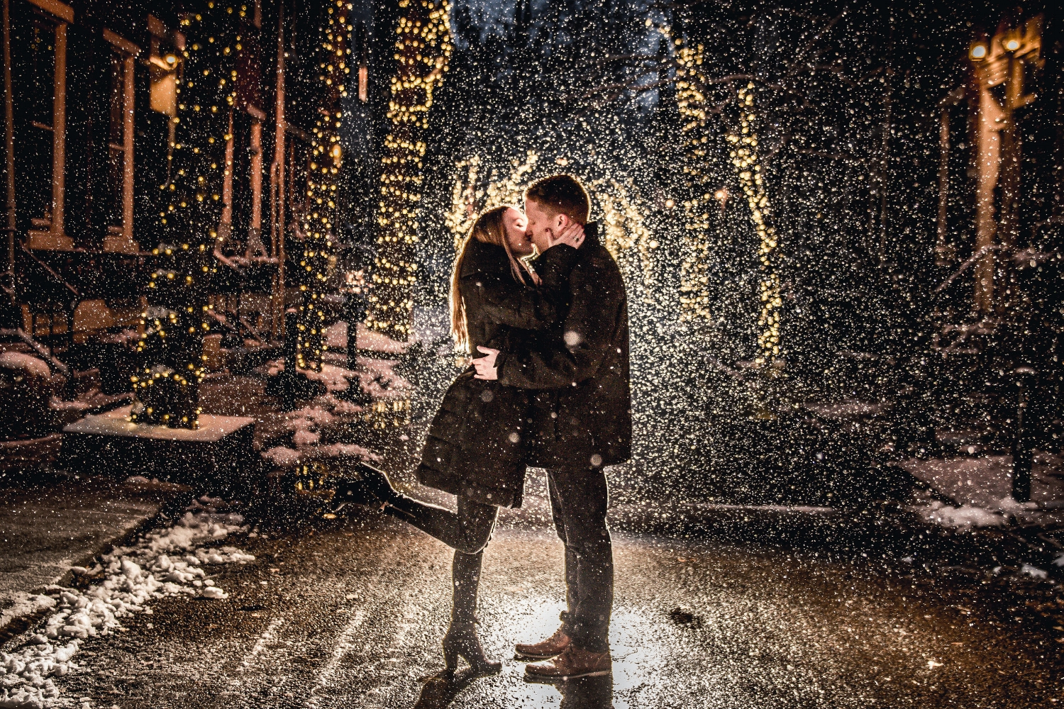 nightime-engagement-snowy-addison-street-christmas