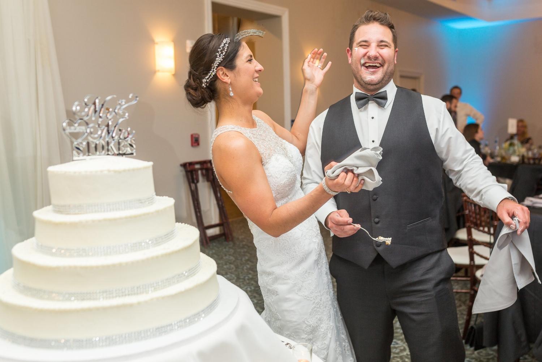 cake-cutting-wedding-warrington-country-club