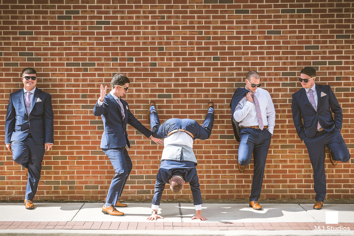 playful-groomsmen-funny-groomsmen-wedding-guys