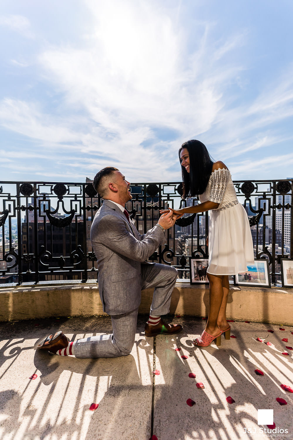 philly-skyline-engagement-locations