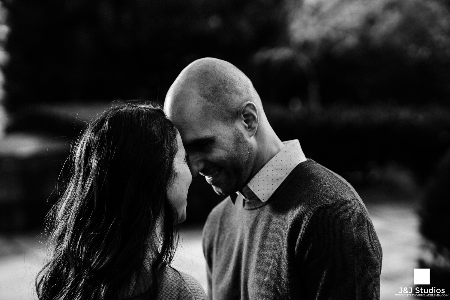 philly art museum engagement session