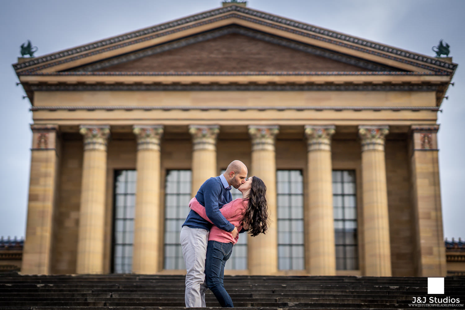 art museum steps engagement session philadelphia museum of art
