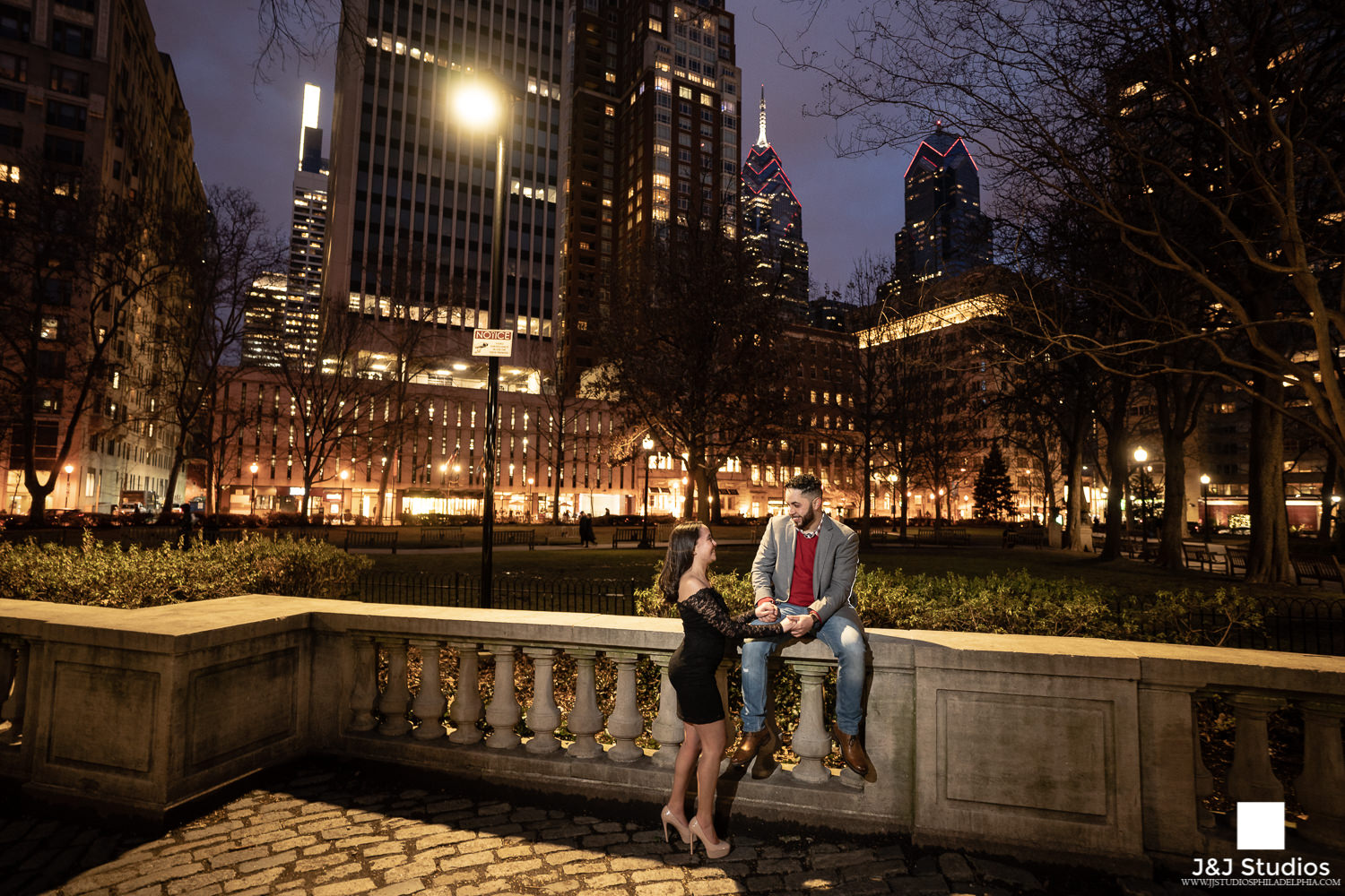 rittenhouse square beautiful twinkle lights engagement session